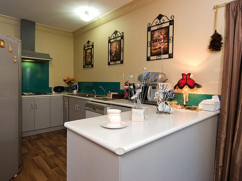 hahndorf holiday accommodation oak villa kitchen