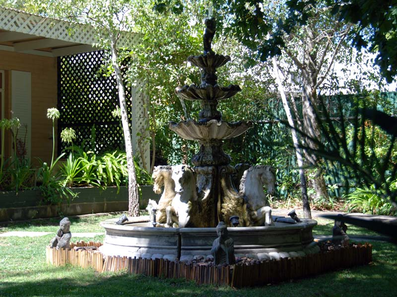 hahndorf house gardens fountain