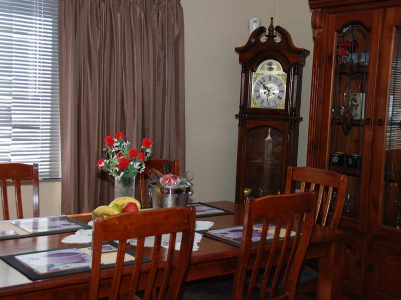 hahndorf holiday accommodation oak villa dining